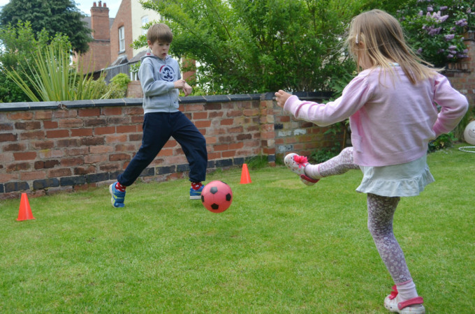 Family garden games ideas & giveaway with Poundstretcher