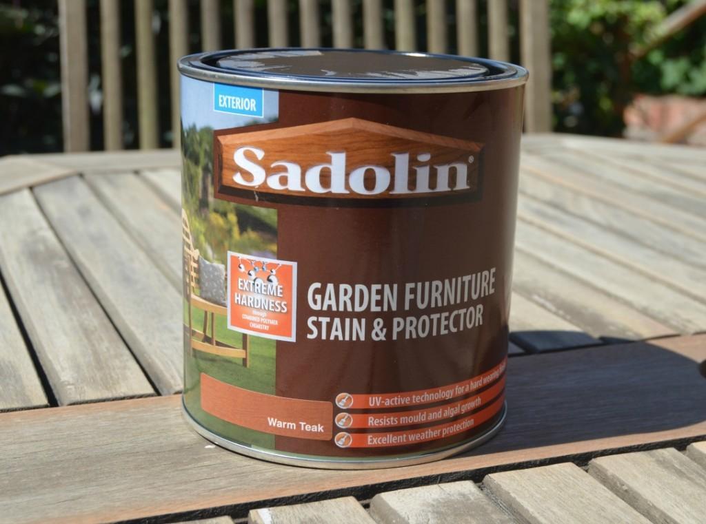 garden furniture saddling