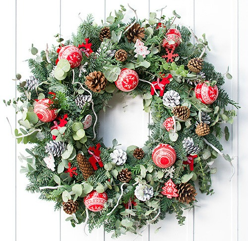 christmas wreaths red nordic