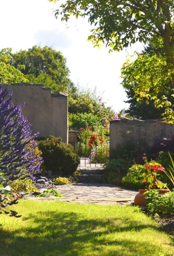 garden walls hard landscaping
