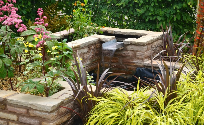 garden water feature hard landscaping