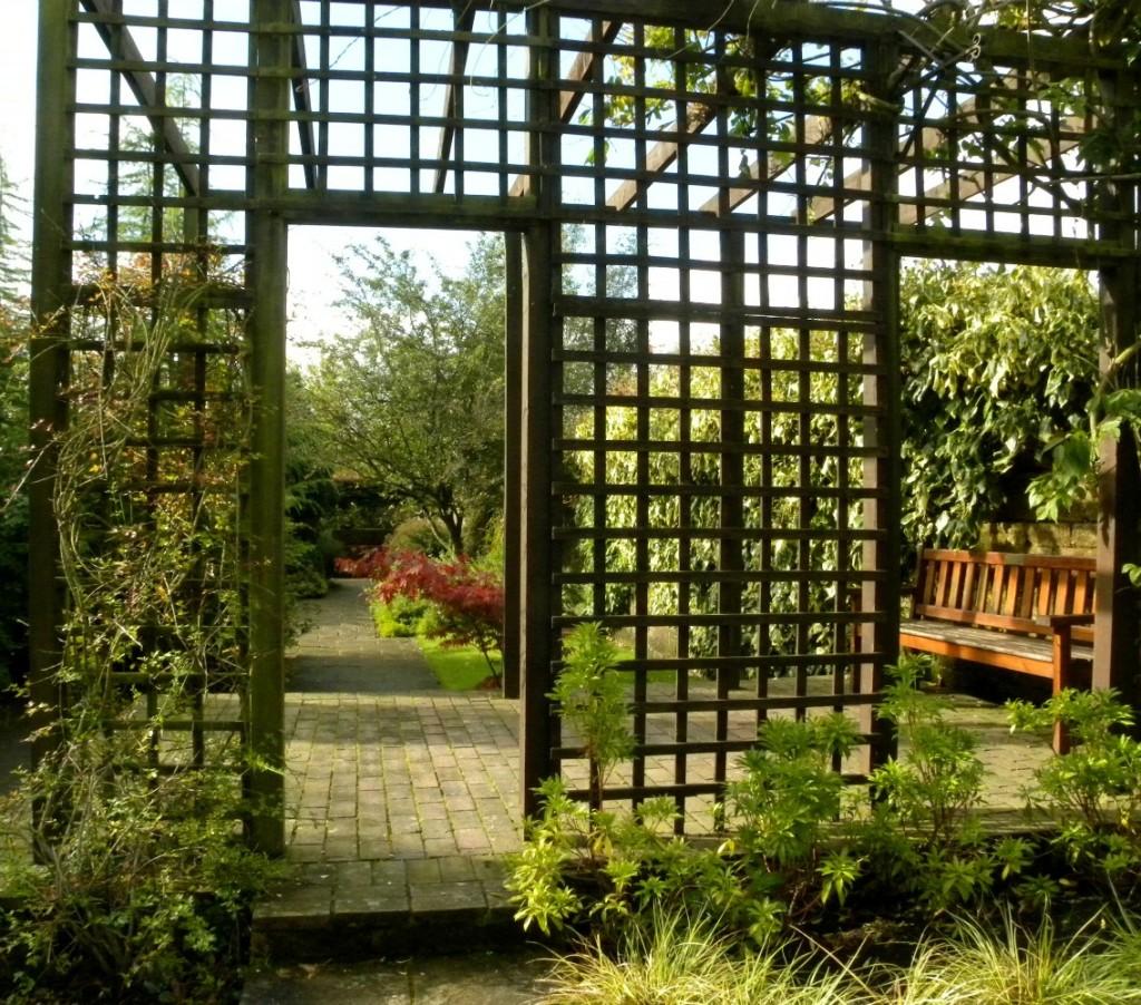 a garden screen is an easy way to create privacy in a family garden