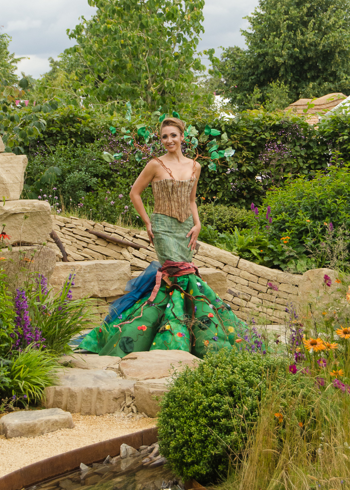 hampton court flower show 2016 zoflora outstanding natural beauty show garden with lucy-jo hudson
