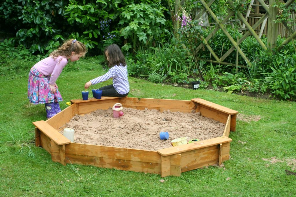 big game hunters outdoor play octagonal sandpit