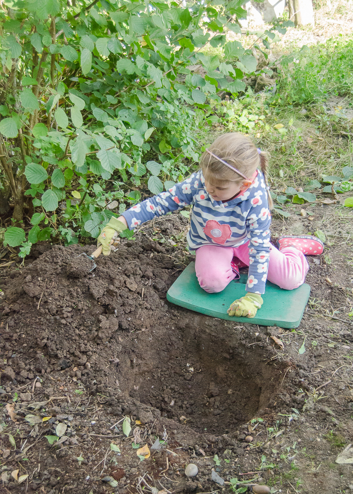 making a frog and toad abode to encourage nature in the garden