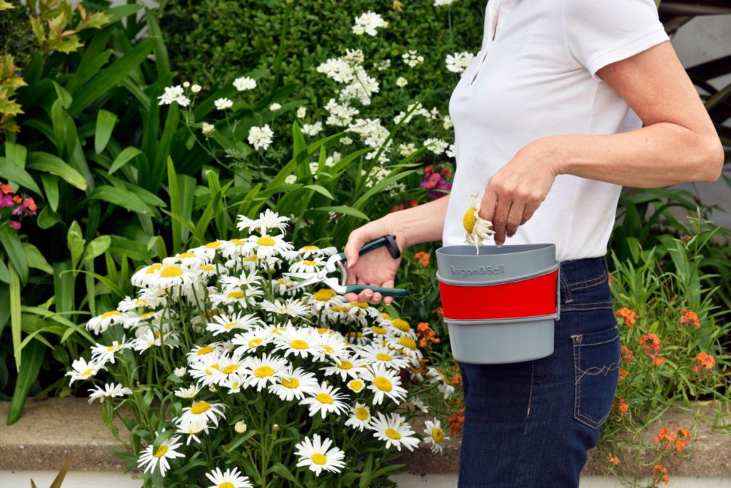 hip trug from burgon and ball gardening gifts ideas