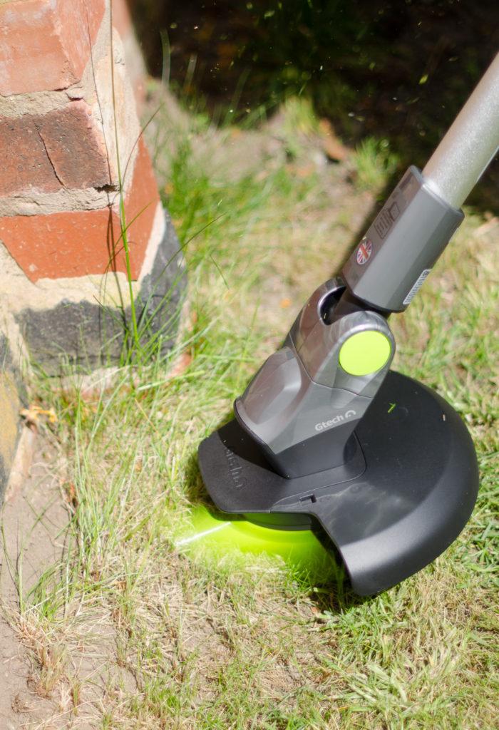Gtech ST20 grass trimmer in action