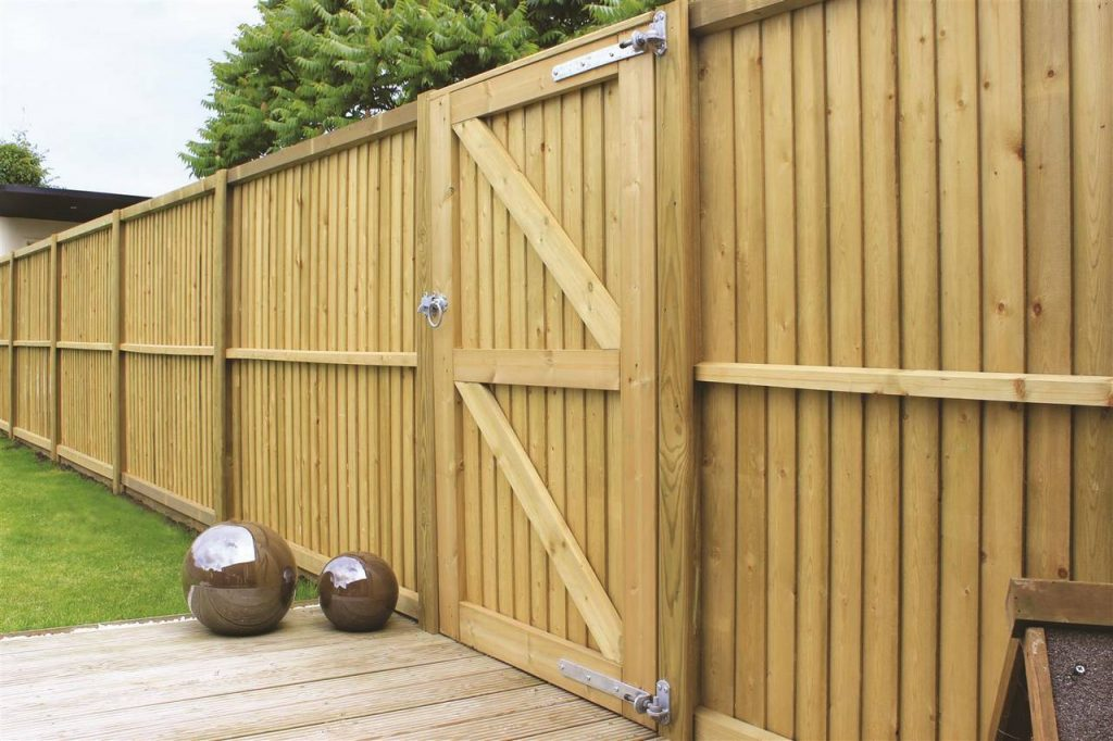 featherboard wooden fencing panels