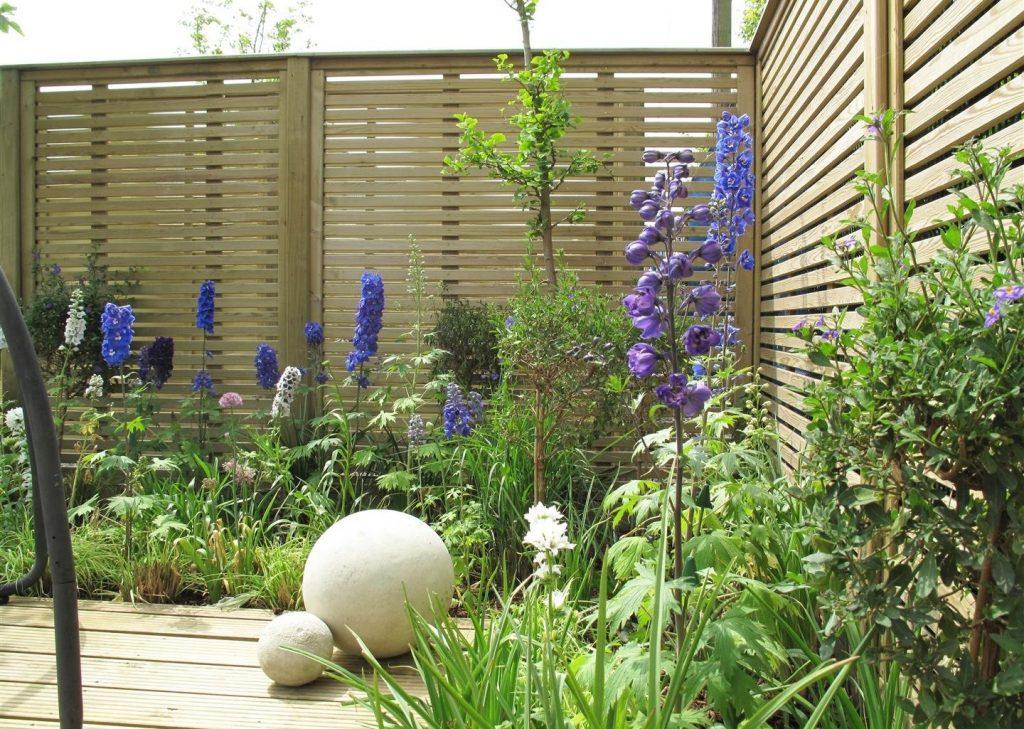 venetian wooden slatted garden fencing panels
