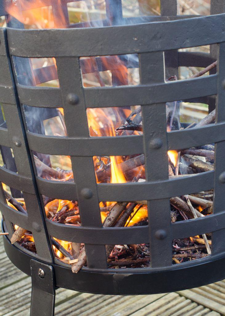 Aragon Cast Iron Fire Basket fire closeup 2
