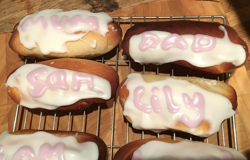 names iced onto buns