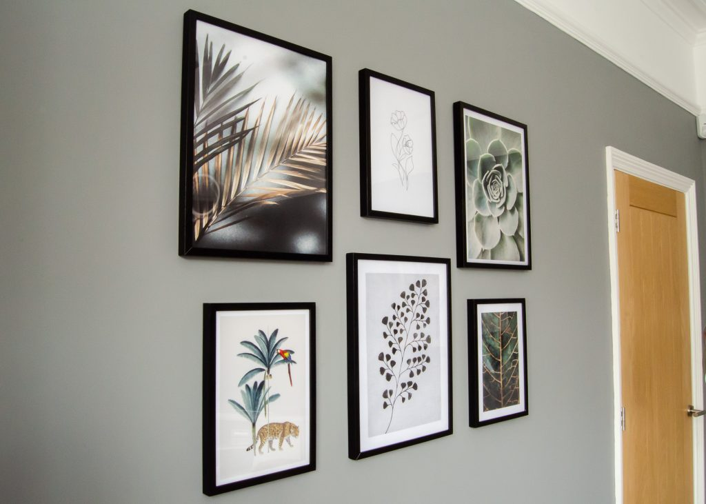 lounge gallery wall