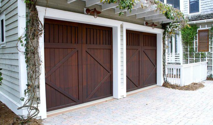 Tips for replacing your garage door