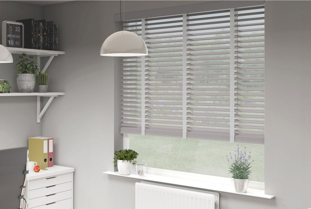 different types of blinds - venetian blinds in a study