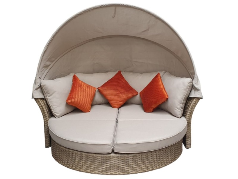 lily outdoor daybed