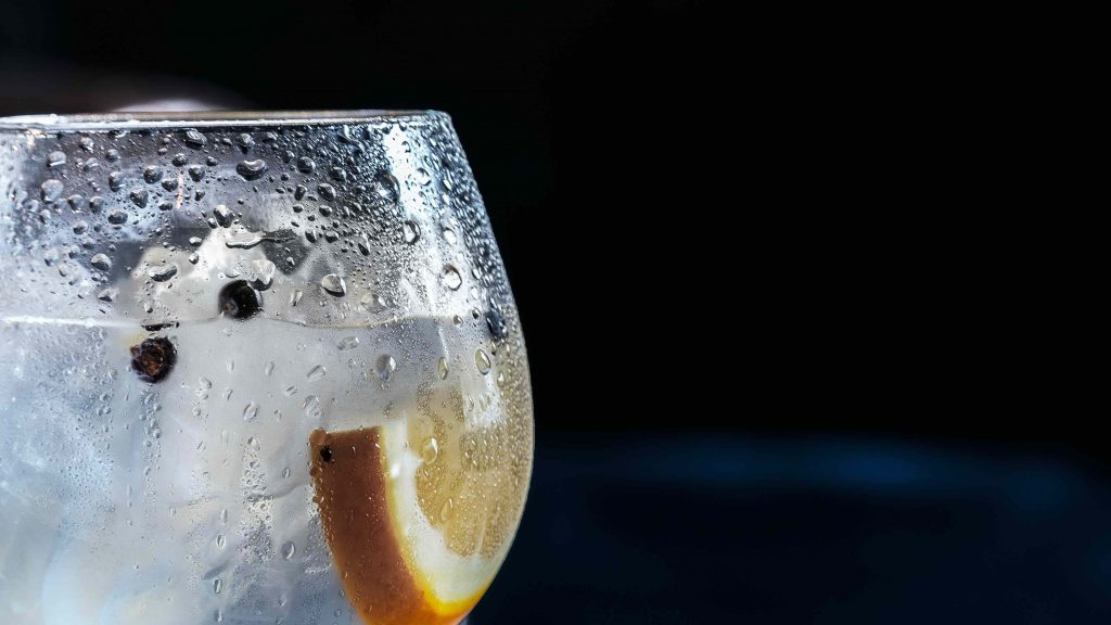 gin and tonic in a glass