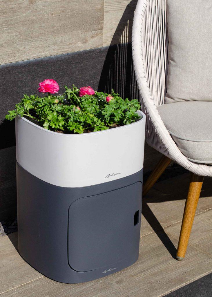 Lechuza PILA modular planter with plants