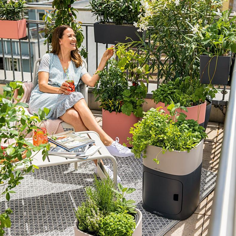 Lechuza PILA planters lifestyle shot