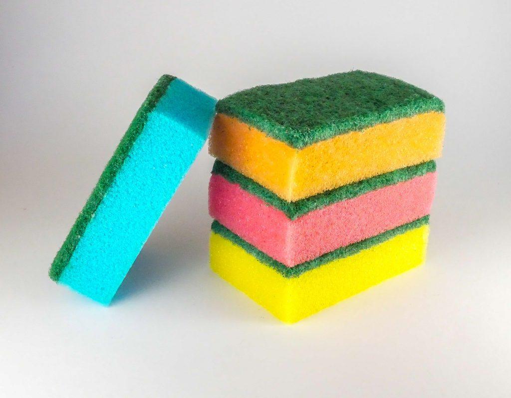 stack of kitchen sponge scourers