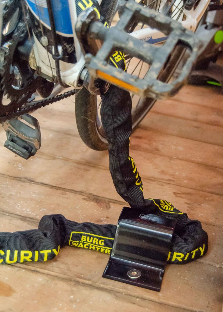 shed security for bikes: burgwachter ground anchor and heavy duty chain