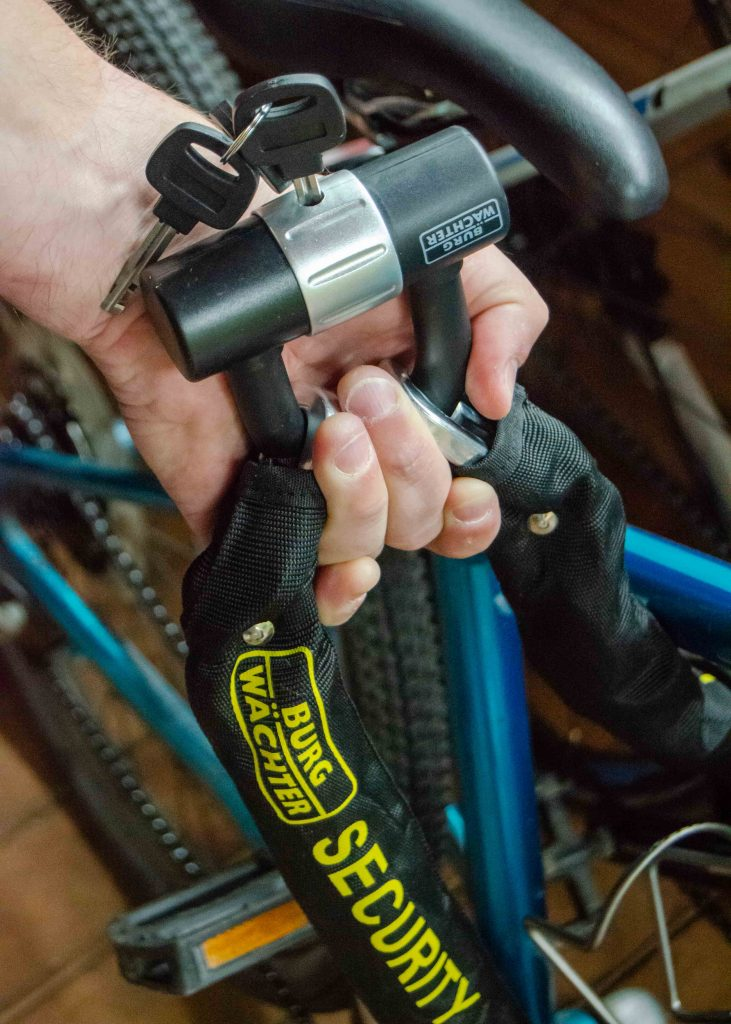 shed security for bikes: burgwachter u-lock and heavy duty chain