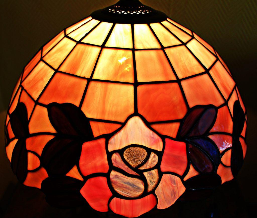 art nouveau design tiffany lamp shade